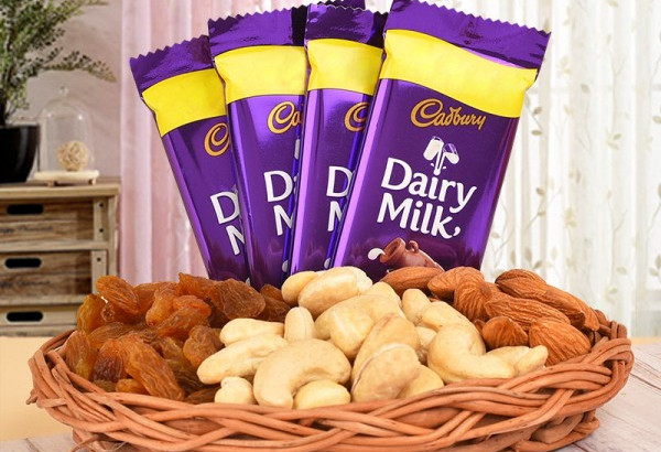 Dry fruits gift hamper