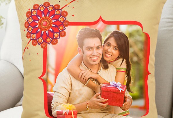 7 best personalised gift for rakhi