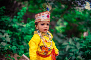 kids in krishna attire