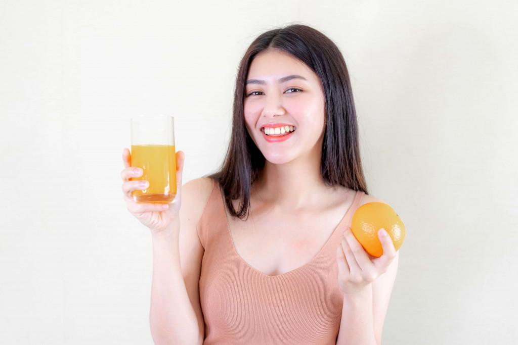 orange juice help remove dark circles