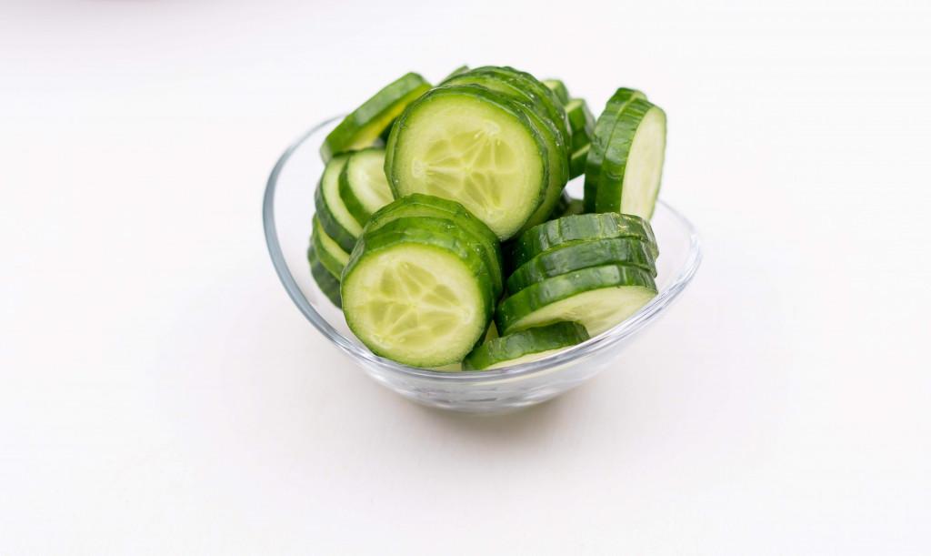 apply fresh cucumber under eyes