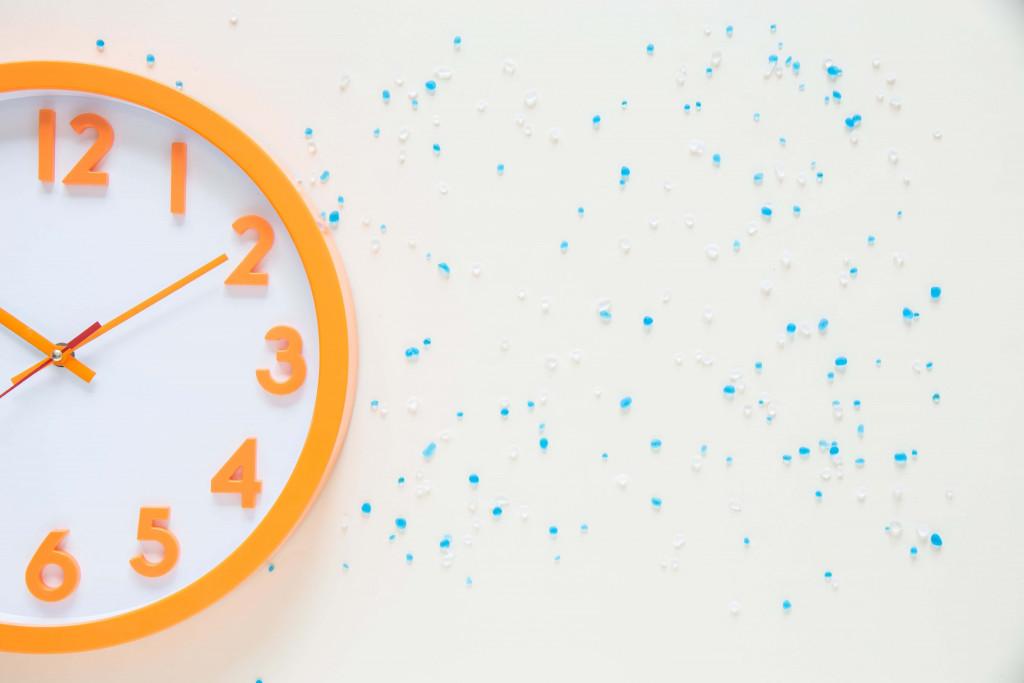 gift wall clock to boss