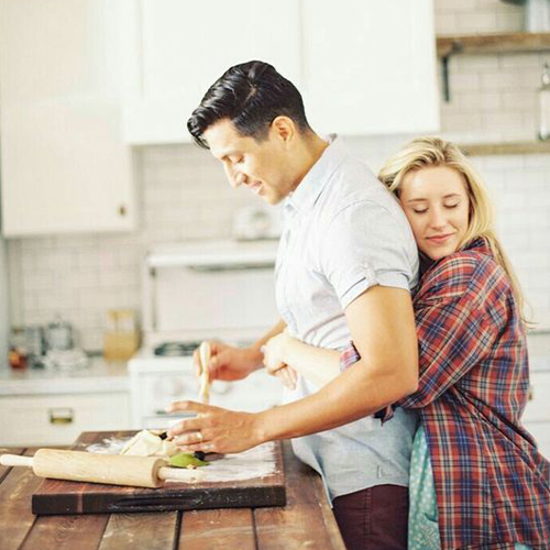 Out of sight and fear of losing a partner