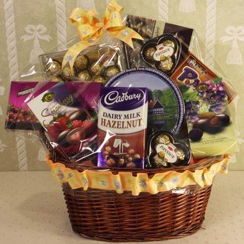 Gift a chocolate hamper