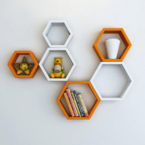 Decorative Shelves by arranging Deck light