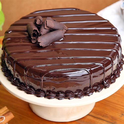 Lip-smacking Truffle Cake