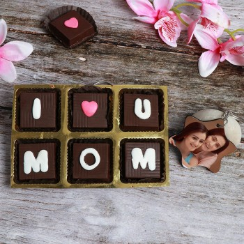 One Star Shape Personalised Keychain for Mom with 6 pcs Homemade Chocolate