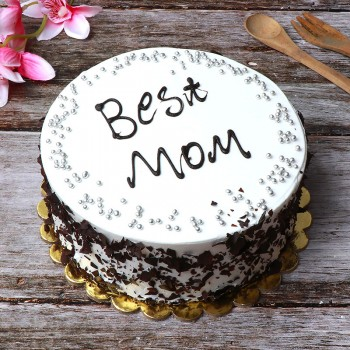 "Half Kg Blackforest Cake with ""Best Mom"" Written on it"