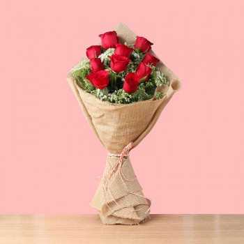 10 Red Roses in Jute Packing