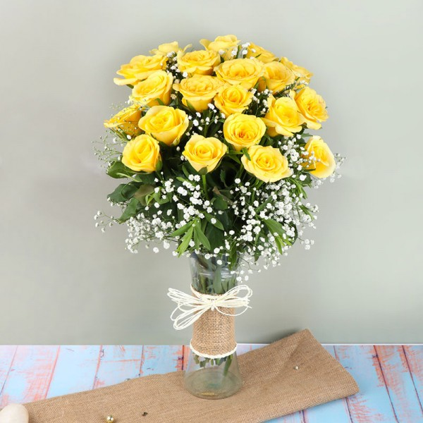 20 Yellow Roses in a Glass Vase wrapped with Jute