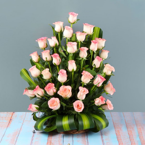 30 Pink Roses in a Basket