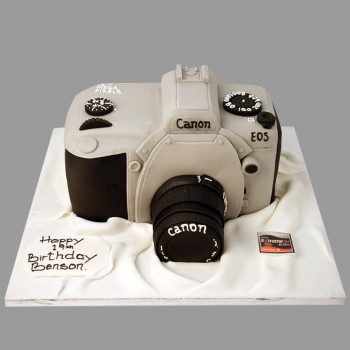 Camera Shape Designer Fondant Chocolate Cake