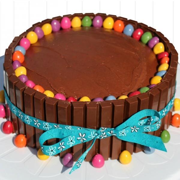 Half Kg Sugarfree KitKat Chocolate Cake
