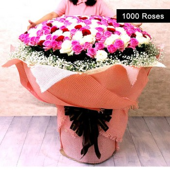 1000 Assorted Roses Arranged in a Special Bouquet