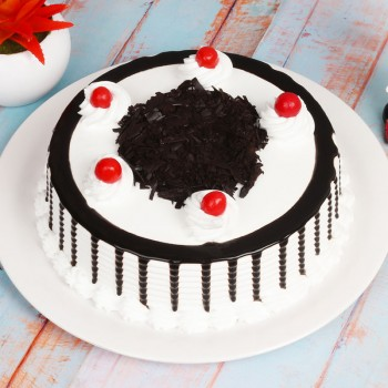 Black Forest Treat | Order Valentine Gift Online