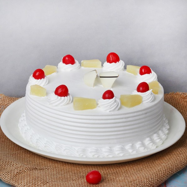 Pineapple Round Shape Cake