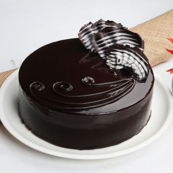 One Kg Five Star Chocolate Cream Cake