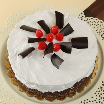 Half Kg Black Forest Cream Cake