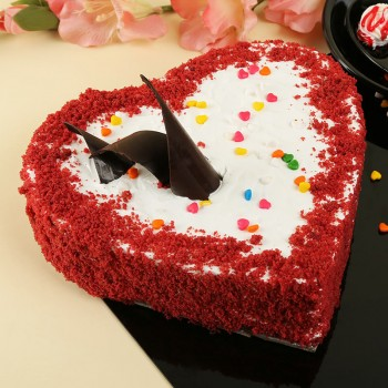 Half Kg Heart Shape Red Velvet Cream Cake