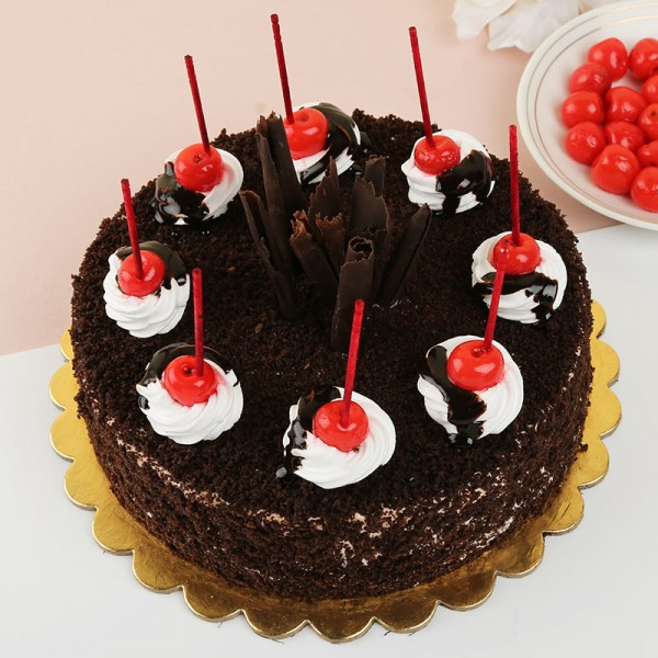 Half Kg Designer Black Forest Cake
