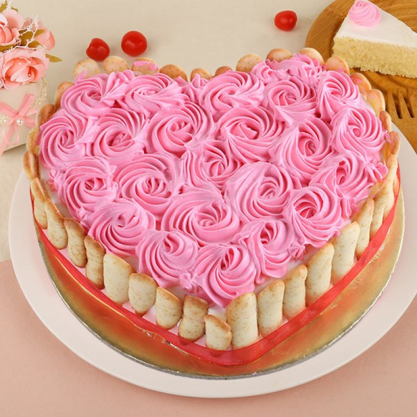 Half Kg Designer Heart Shaped Vanilla Rose Cake
