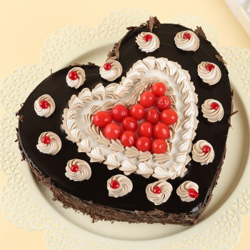 Half Kg Heart Shape Black Forest Sugarfree Cake