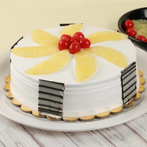 Pineapple Gateau Cake Half Kg