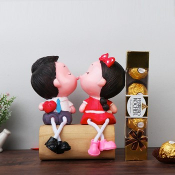 Kissing Couple Doll Set with Ferrero Rocher Chocolate