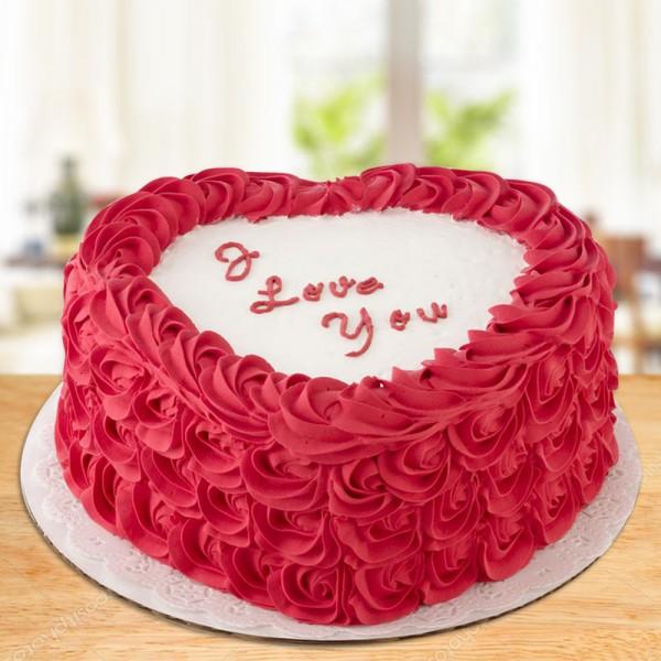 Heart N Roses Cake