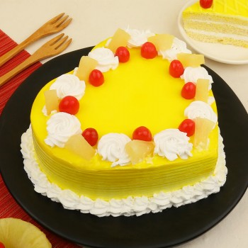 1 kg Heart Shape Pineapple Cake