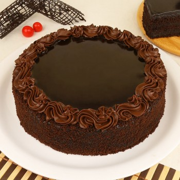 Chocolate Cream Cake Half Kg