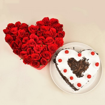 Heart Shaped Arrangement of 30 Red Roses with 1 Kg Heart Shape Black Forest Cake