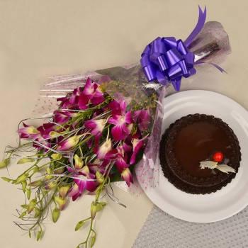 6 Purple Orchids Bunch with Half Kg Chocolate Cake