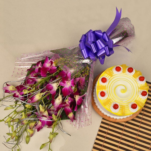 6 Purple Orchids Bunch with Half Kg Pineapple Cake