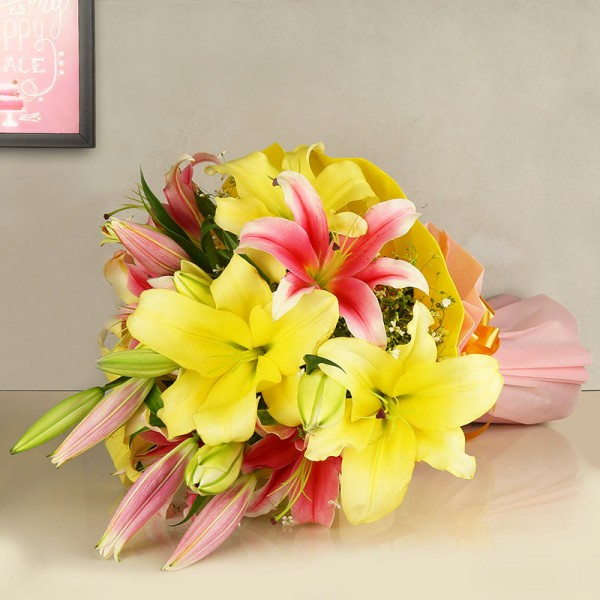 4 Oriental Lily (Pink and Yellow) in Paper Packing