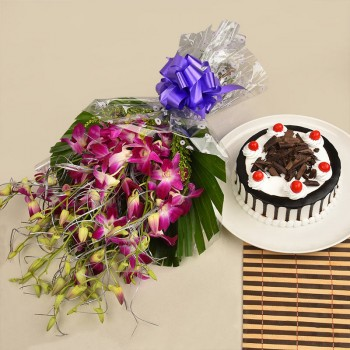8 purple orchids with Half kg blackforest cake