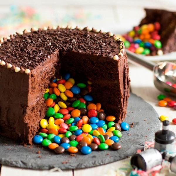 Half Kg Chocolate Gems Cream Cake