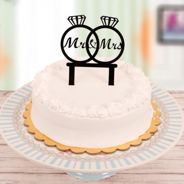 Half Kg Vanilla Cake for Couple