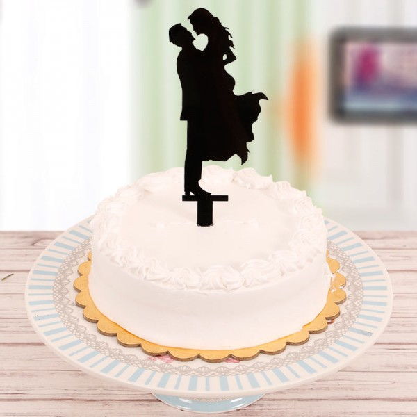Half Kg Pineapple Cream Cake with Couple Silhoutte