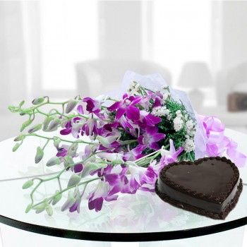 6 Purple Orchids with 1 Kg Heart Shape Chocolate Cake