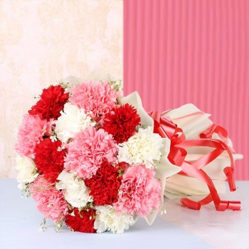 15 Mix Carnations ( 5 Red,5 Pink, 5 White) in White Paper packing