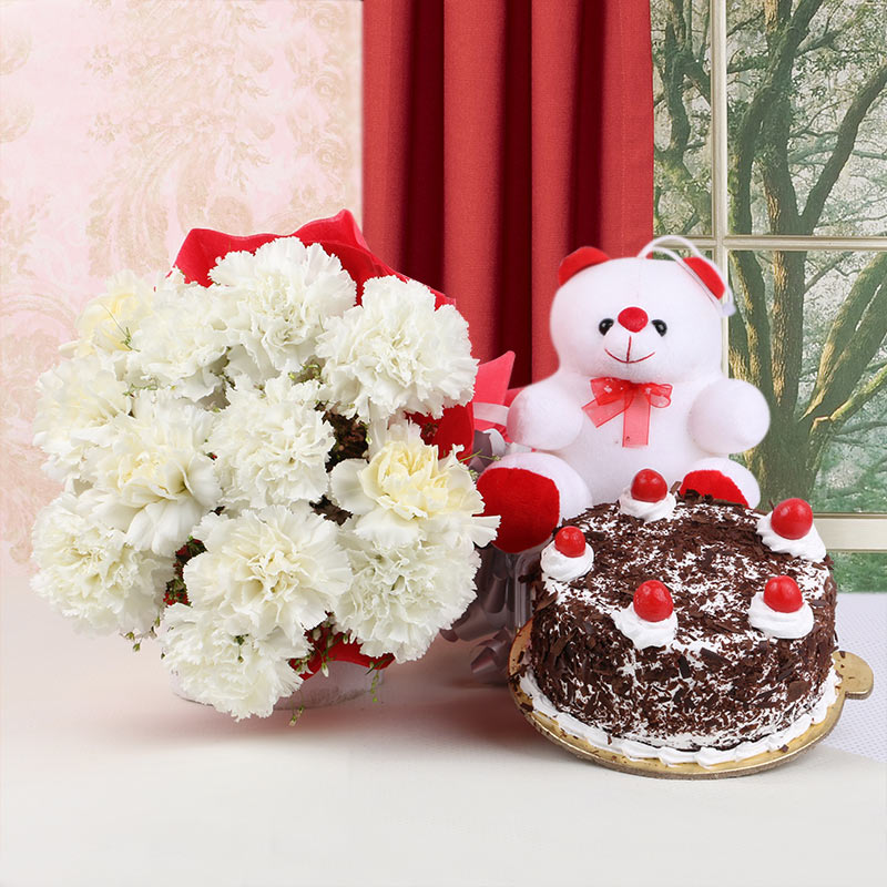 Snowy Forest Hamper