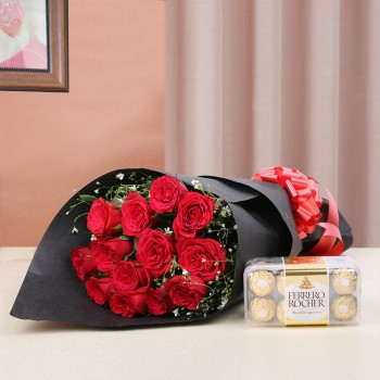 12 Red Roses in Black paper with Ferrero Rocher (16 pcs)