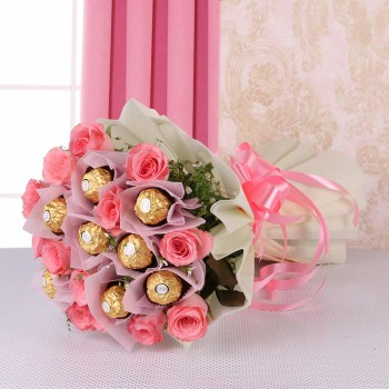 10 Pink Roses with Ferrero Rocher (8 pcs) in White paper