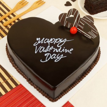 Half Kg Chocolate Heart Shape Cake for Valentines Day