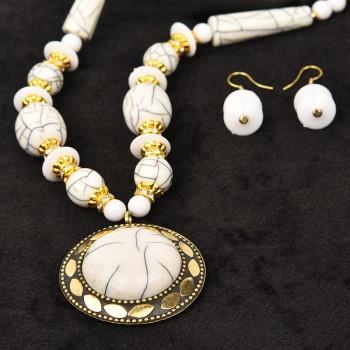 White Color Stone Necklace Set