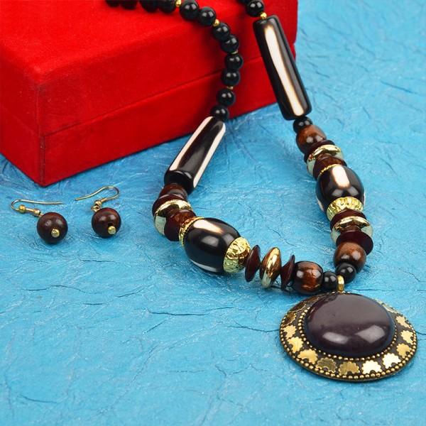 Black Color Necklace Set