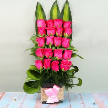 20 Pink Roses in Glass vase