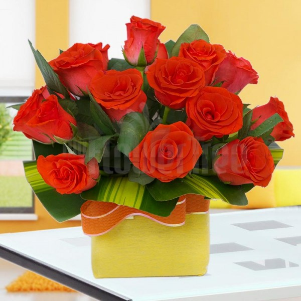 15 Orange Roses in a Glass Vase