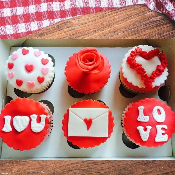 6 Designer Chocolate Cup Cakes